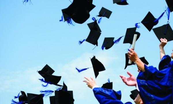 graduandos-birretes-e1435512434417